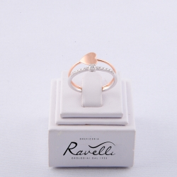 Anello Cuore in oro bianco e rosè 18 kt. Incastonati 13 diamanti taglio brillante di caratura complessiva ct. 0.19 GVS