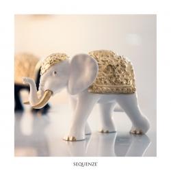 L'Elefante di Sequenze è un prodotto artigianale made in italy decorato a mano con foglia oro.