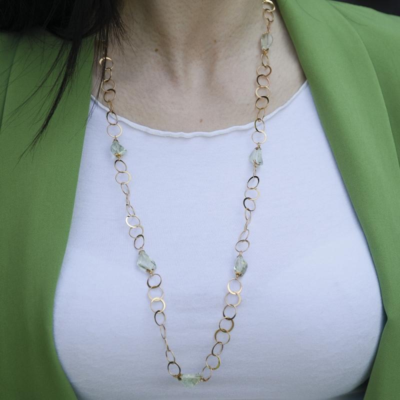 Collana in oro 18 kt tinta mista giallo e rosè e quarzi verde acqua.