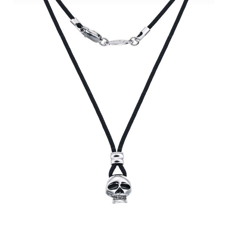 Collana Zancan da uomo della collezione The Skulls, con cordino in klevar nero e ciondolo a teschio in argento 925 rodiato.